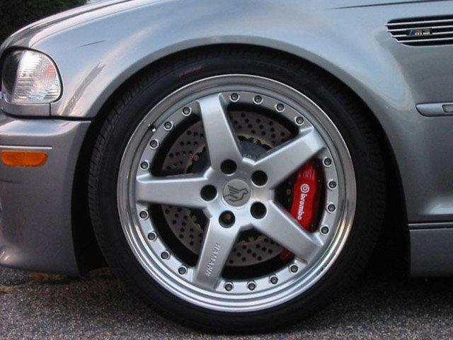 http://www.turnermotorsport.com/image/brakes/brakes_e46_m3_fr_brembo_red_lg.jpg
